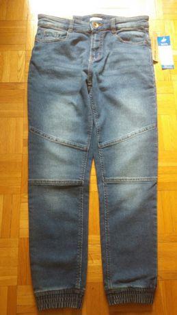 Nowe Spodnie dzinsowe chłopięce joggery 146