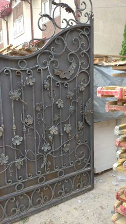 Ковані ворота масивні