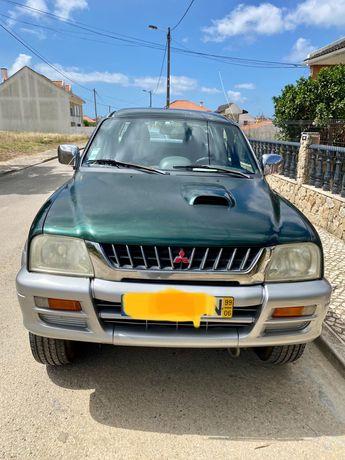 Mitsubishi Strakar L200 4x4 2.5 c/mala fechada c/alarme