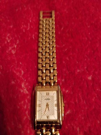 Часы женские Roamer
