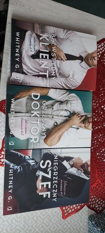 3 częście książek Whitney G