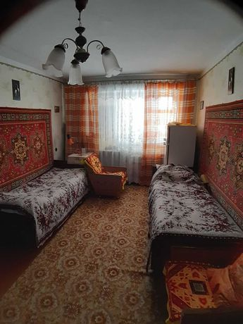 Продам  3-х комнатную квартиру в центре Васильевки, бул. Центральный