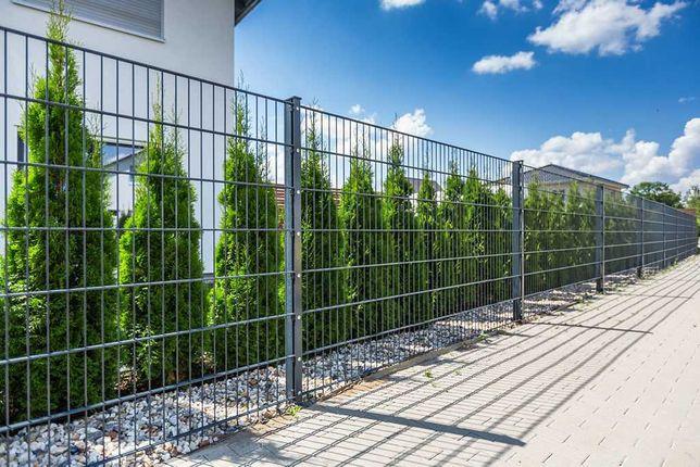 Ogrodzenia panelowe z podmurówka .betonowe Montaż.