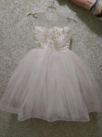 Нарядне плаття для дівчинки