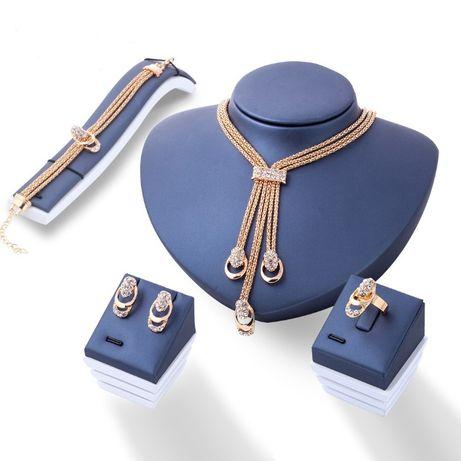 zestaw biżuterii naszyjnik bransoletka pierścionek kolczyki