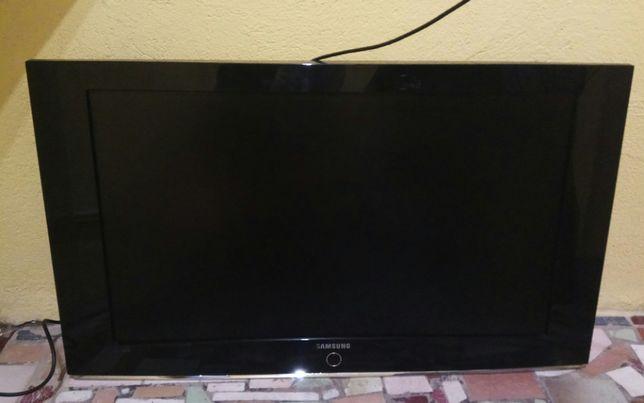 (277/19) Telewizor Samsung LE37S81B