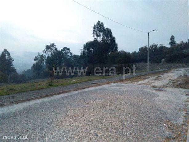 Terreno para construção com 1.000 m2 em Fornelos