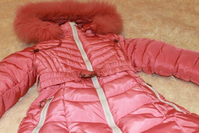 Очень теплое пальто на возраст 5-6 лет,Очень красивое!