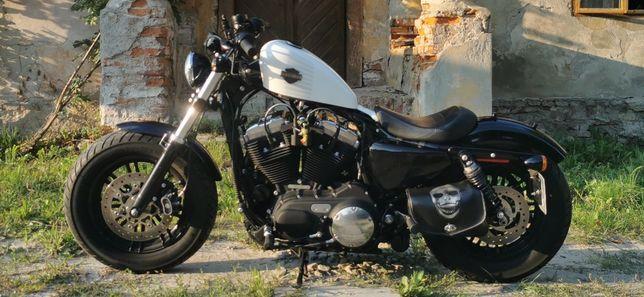 Harley Davidson 1200 Forty-Eight, Sportster