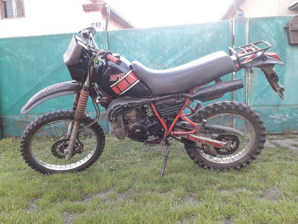 Cross Yamaha DT 125