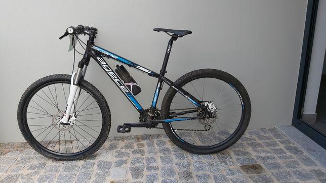Bicicleta usada (btt)