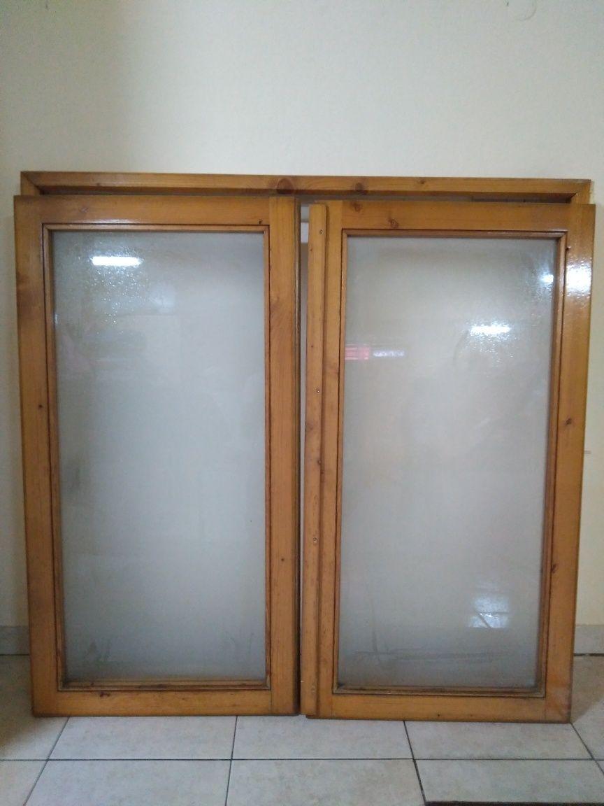 Janela madeira tratada para exterior , vidro fosco