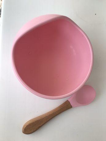 Силиконовая тарелка на присоске с ложечкой
