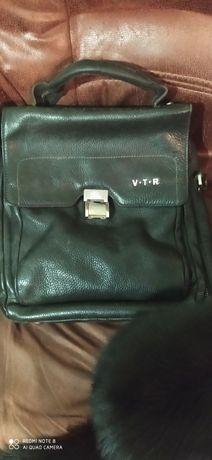 Продам кожаную фирменную сумку