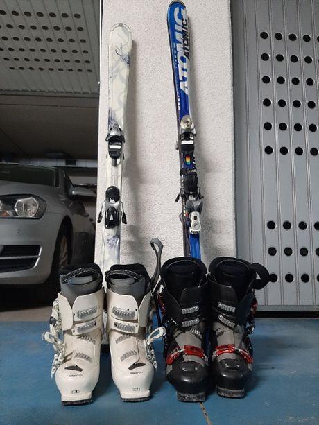 Zestaw narciarski: narty, buty narciarskie, kask