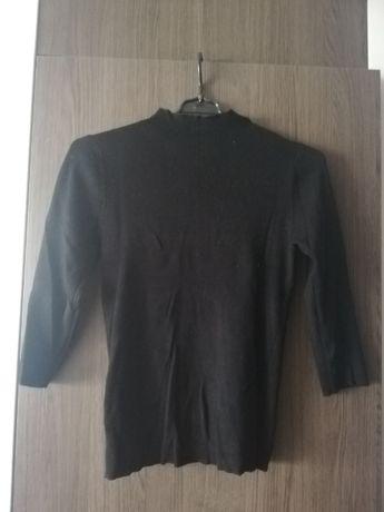 Czarny sweterek RESERVED golf rozm S
