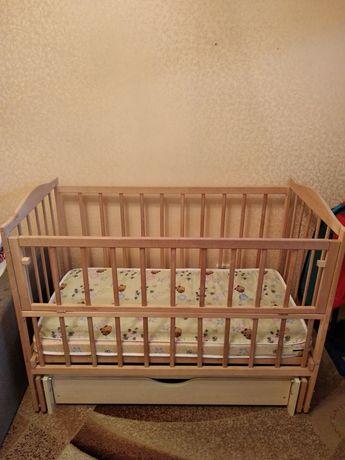 Деревянная кроватка для новорожденных!!!