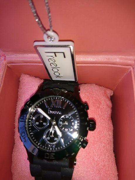 Часы наручные, хронограф. Freelok . Оригинал.