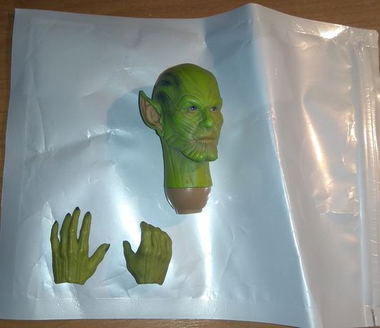 1/6 Skrull Toys Era  Avengers Headsculpt figurka 1/6 jak hot toys