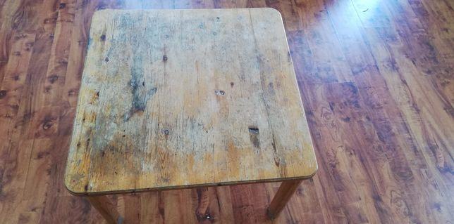 Renowacja mebli z drewna