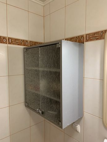 Навісна тумба ванна
