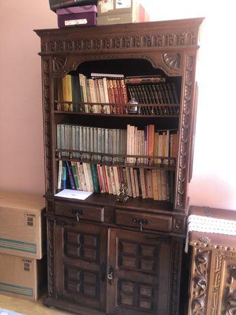 Estante para livros antiga