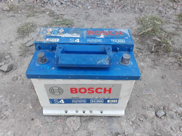Аккумулятор автомобильный Bosch S4 005 6CT-60 540En