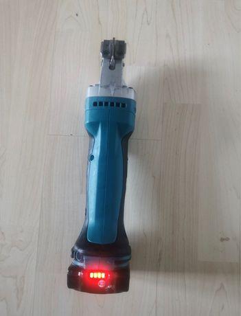 Nożyce do blachy Makita DJS161 z roku 2020r bateria 2Ah