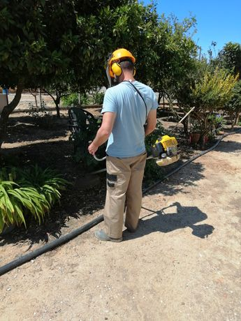 Limpeza de terrenos/jardins