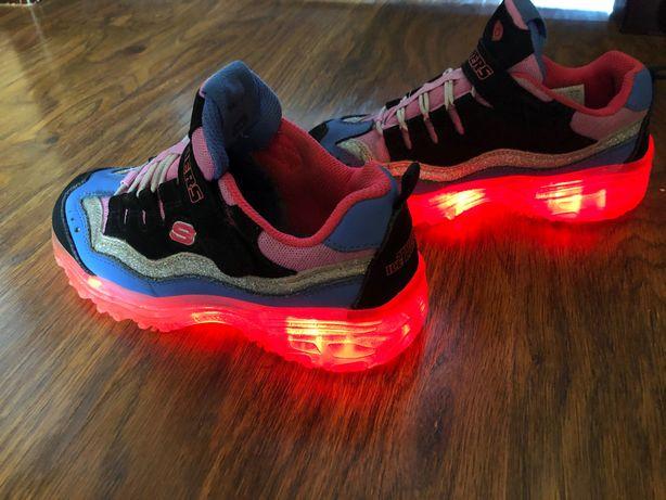 Кросівки Skechers для маленької модниці