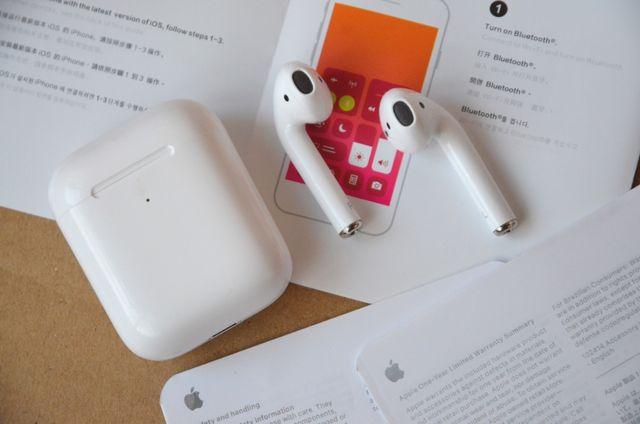 Беспроводные наушники Apple AirPods 2 (peплuкa) + чехол