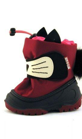 Очень тёплые и стильные сноубутсы для самых маленьких.