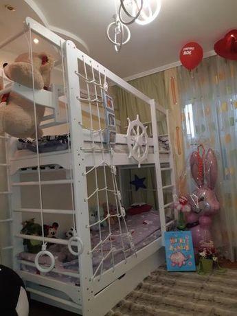 Продается двухярусная кровать из Сосны  в идеальном состоянии
