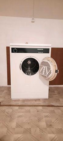 Máquina de secar roupa