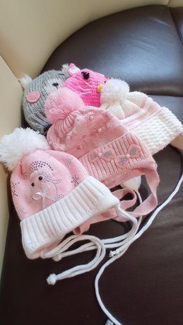 Набор зимних шапочек для девочки от 3-6 мес.