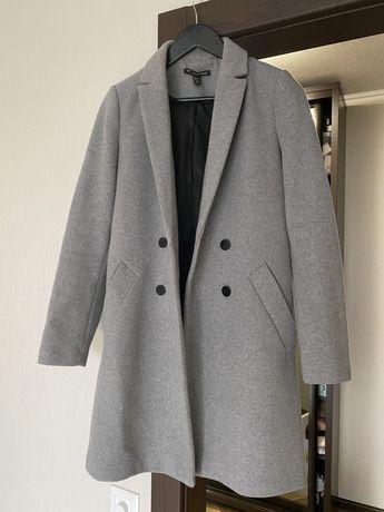 Пальто женское Zara серое