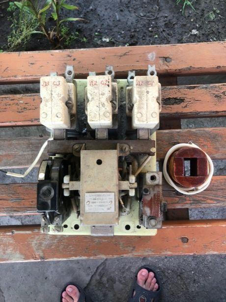Автомат 100А трехфазный шестиконтактный советский