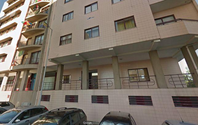 Apartamento T2 para arrendar em Mafamude, Vila Nova de Gaia