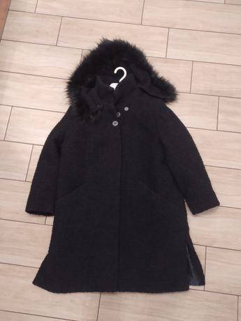 Damski płaszcz zimowy czarny