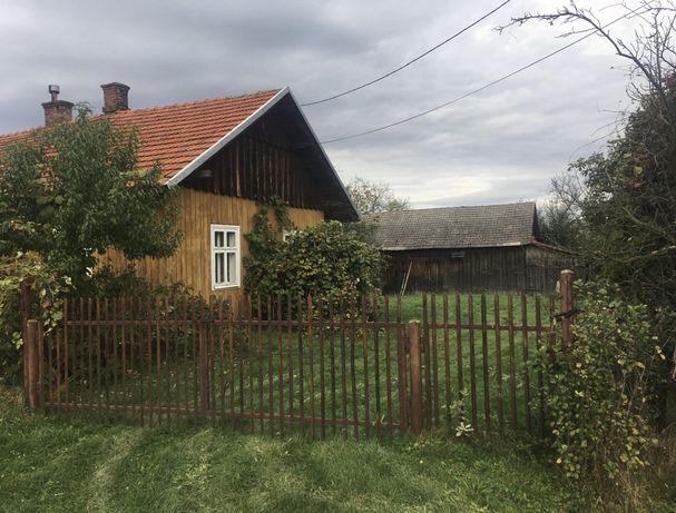 Dom drewniany na wsi Podkarpacie