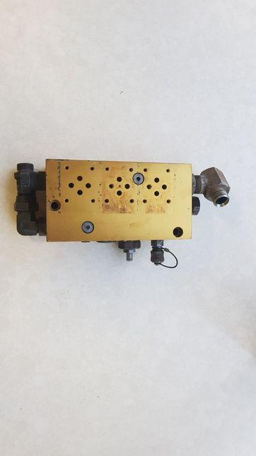 Blok elektrozaworów JCB Fastrac - uzywany 1900,-