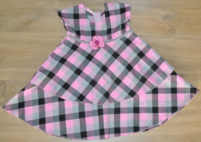 Sukienka R.98 piękna jesienno- zimowa sukieneczka Błasiak ( 2-3 lata )
