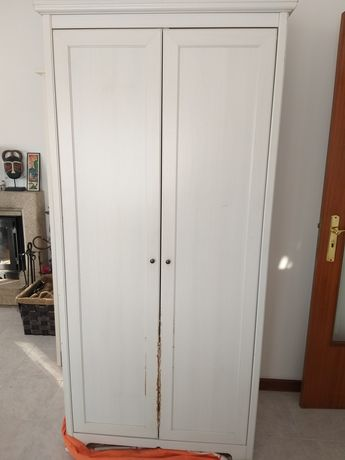 Roupeiro branco para quarto