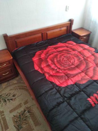 Продам кровать и 2 тумбочки