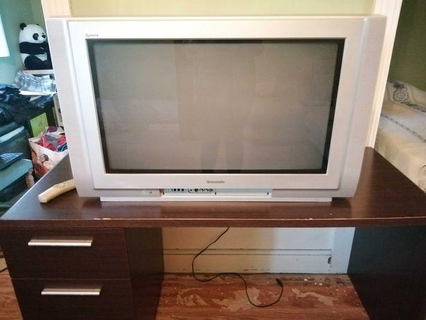 Televisão grande