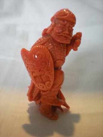 RZEŹBIONA Figurka z Korala Chiny XIX/XX w
