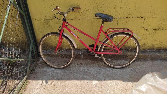 3 bicicletas antigas