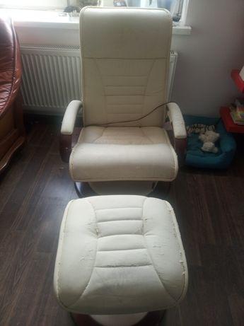 Fotel masujący z podnóżkiem i pilotem