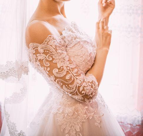 Весільна сукня ідеальний стан