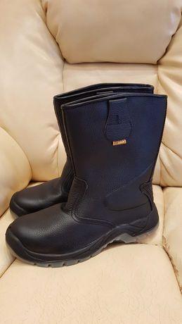 Новые демисезонные кожаные сапоги Трейл Супер 45-го размера